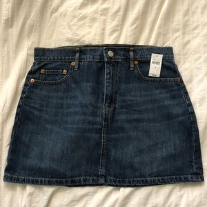 Gap Denim Mini Skirt size 8 NWT